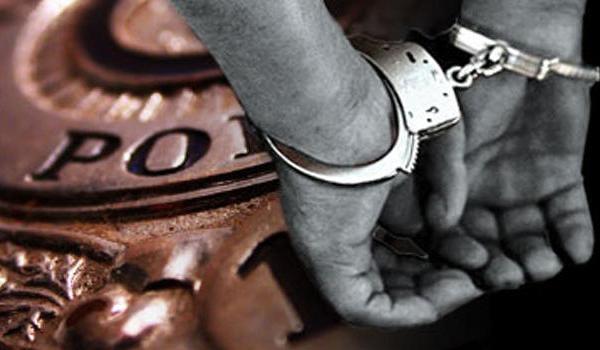 generic_police_arrest_handcuffs_3194580x_1487974548088.jpg