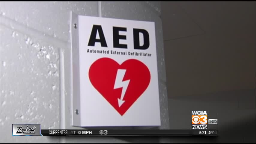 aed saves life_44954900-159532