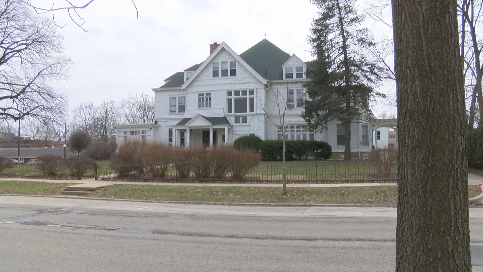 burnham mansion (1)_1527886823242.jpg.jpg