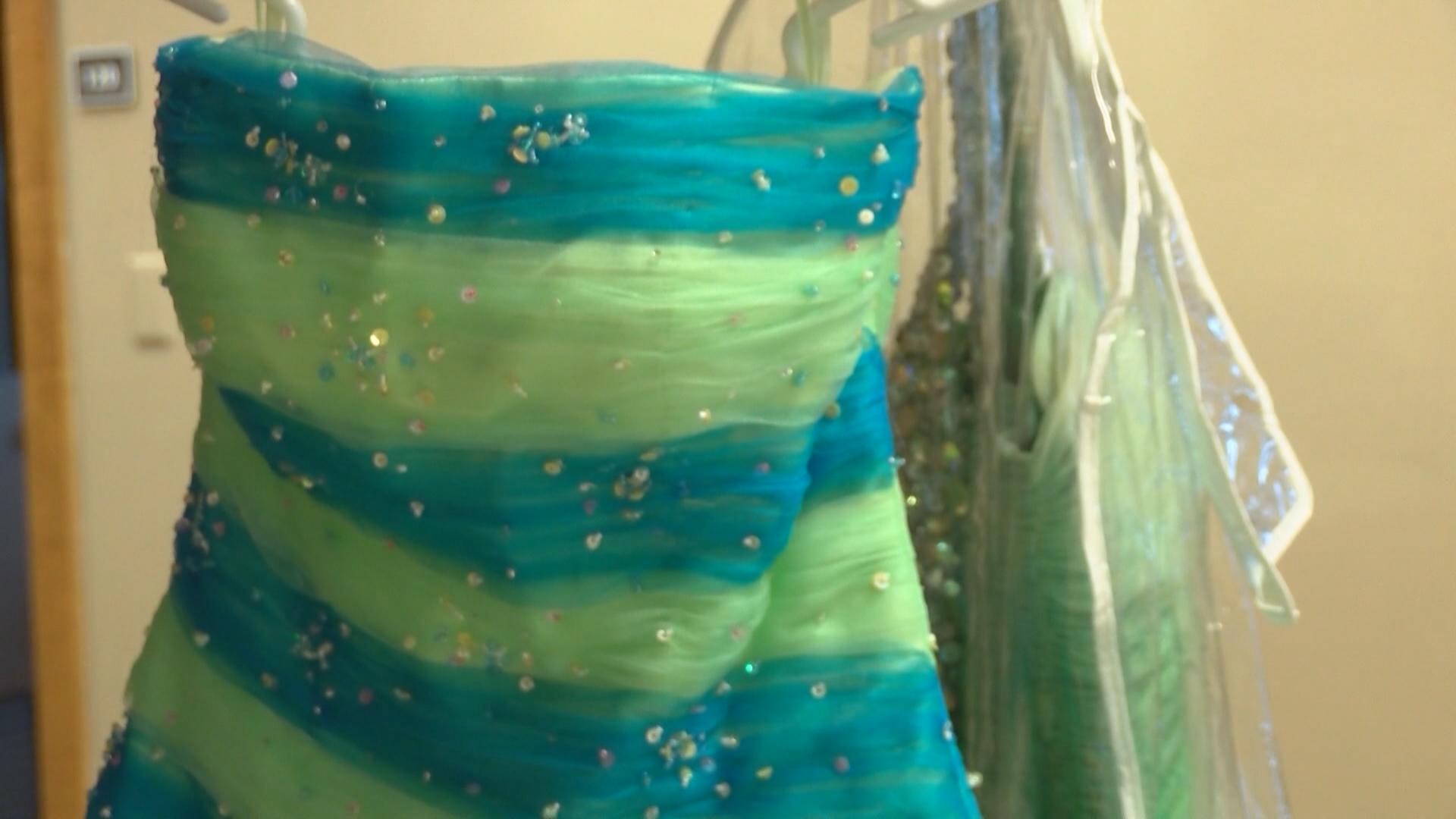 prom dress_1544133981550.jpg.jpg