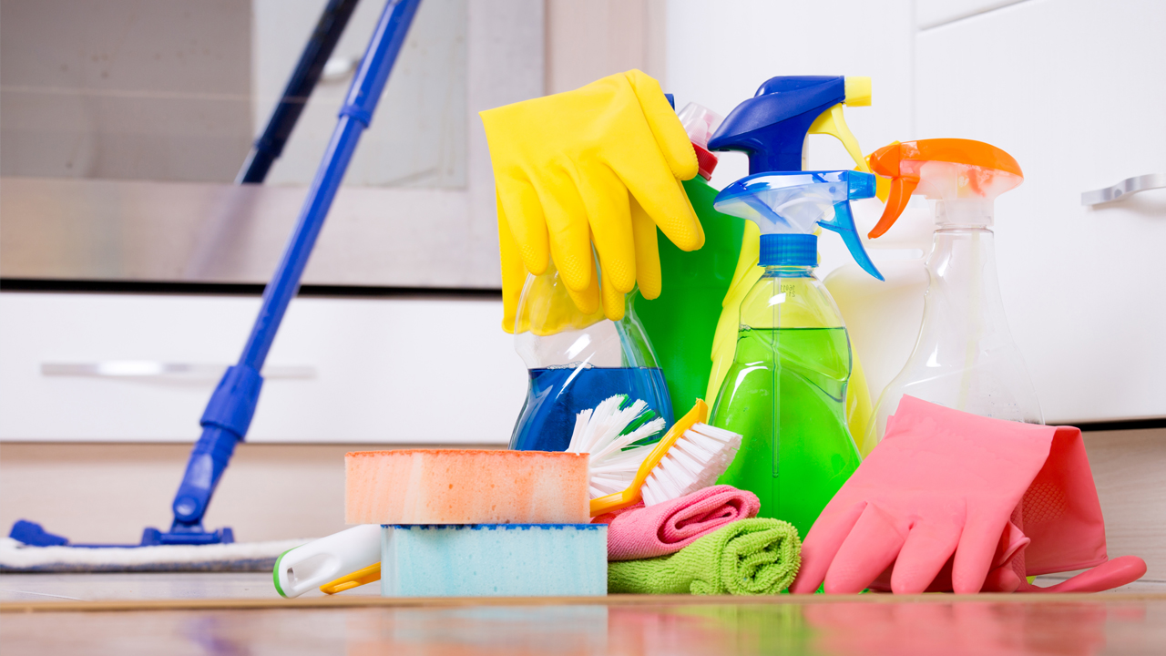 green-living-cleaning-supplies_1513111294514_323012_ver1_20171213055606-159532