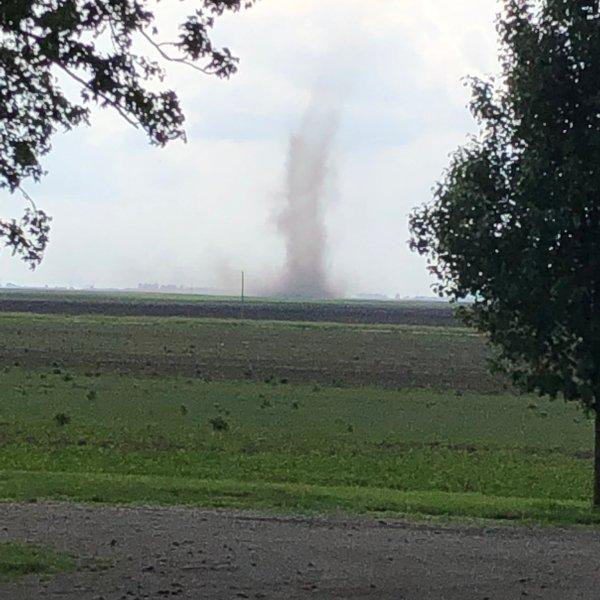 tornadopicstonington_1559174071336.jpg